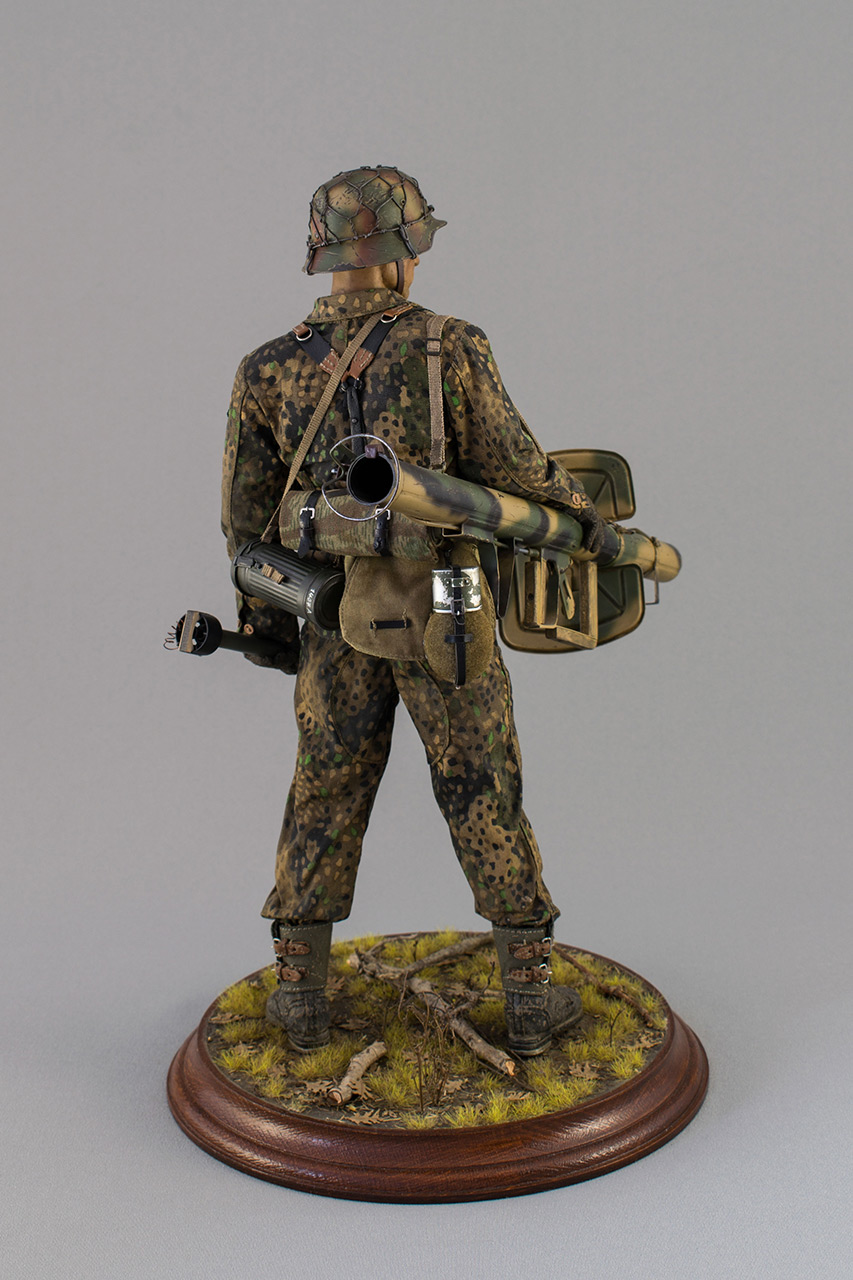 Figures: Sherman hunter. France, Fall 1944, photo #6