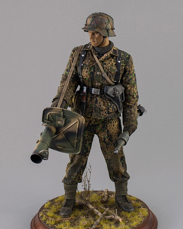 Figures: Sherman hunter. France, Fall 1944