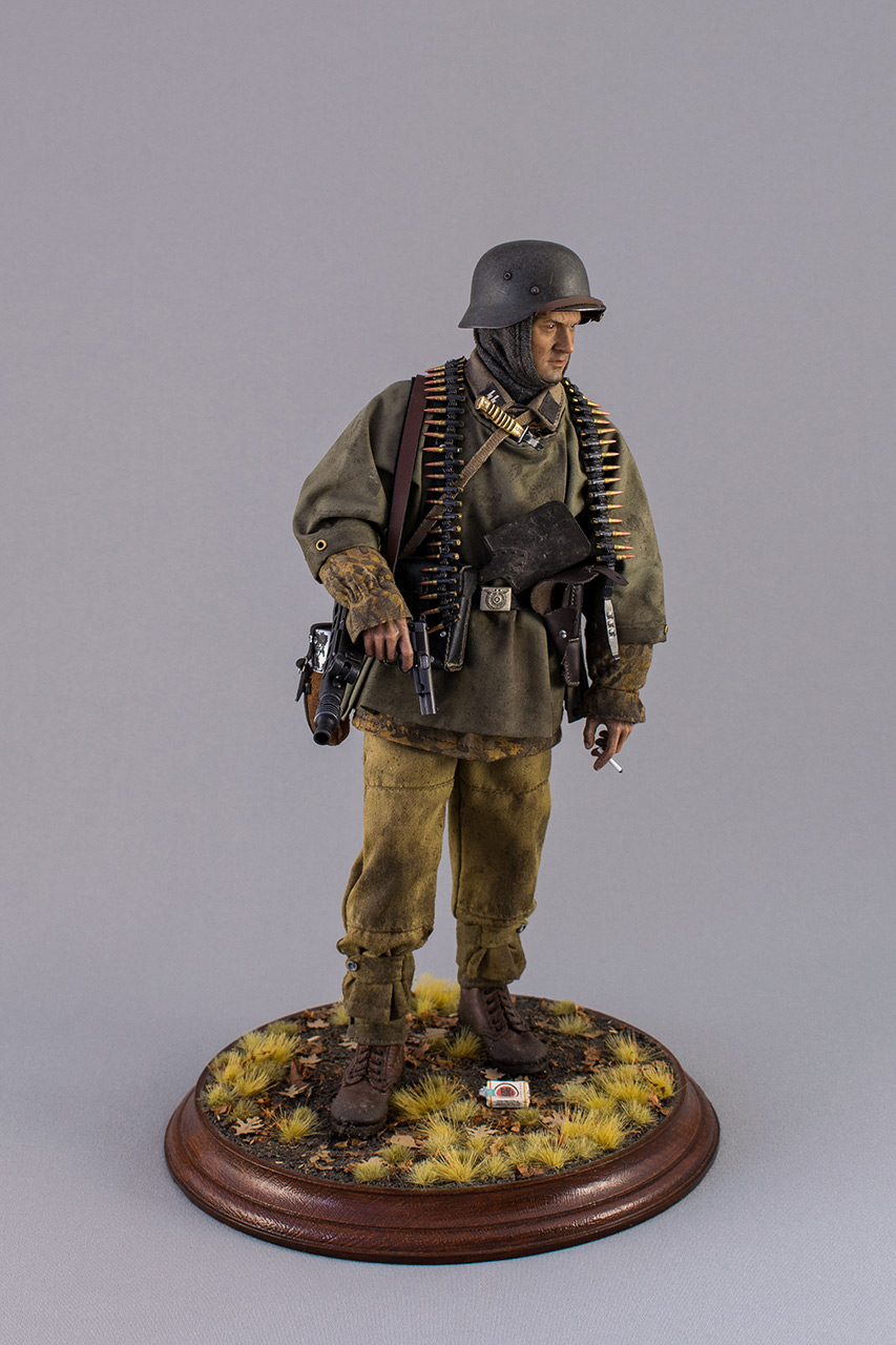 Figures: SS machine gunner, Kampfgruppe Hansen, photo #1