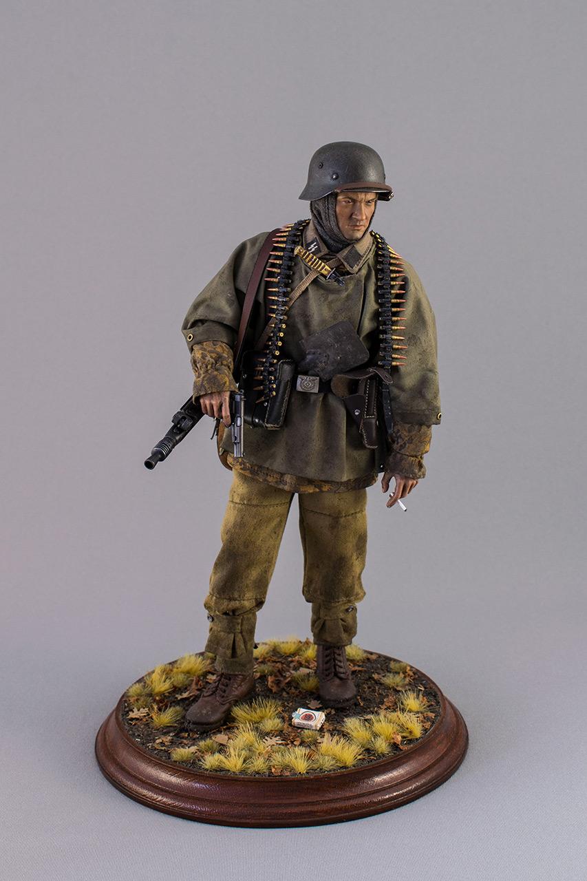Figures: SS machine gunner, Kampfgruppe Hansen, photo #10