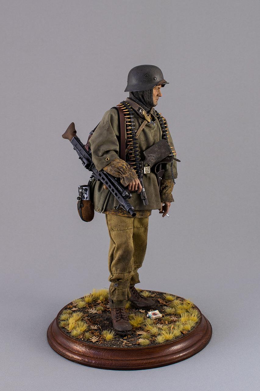 Figures: SS machine gunner, Kampfgruppe Hansen, photo #2