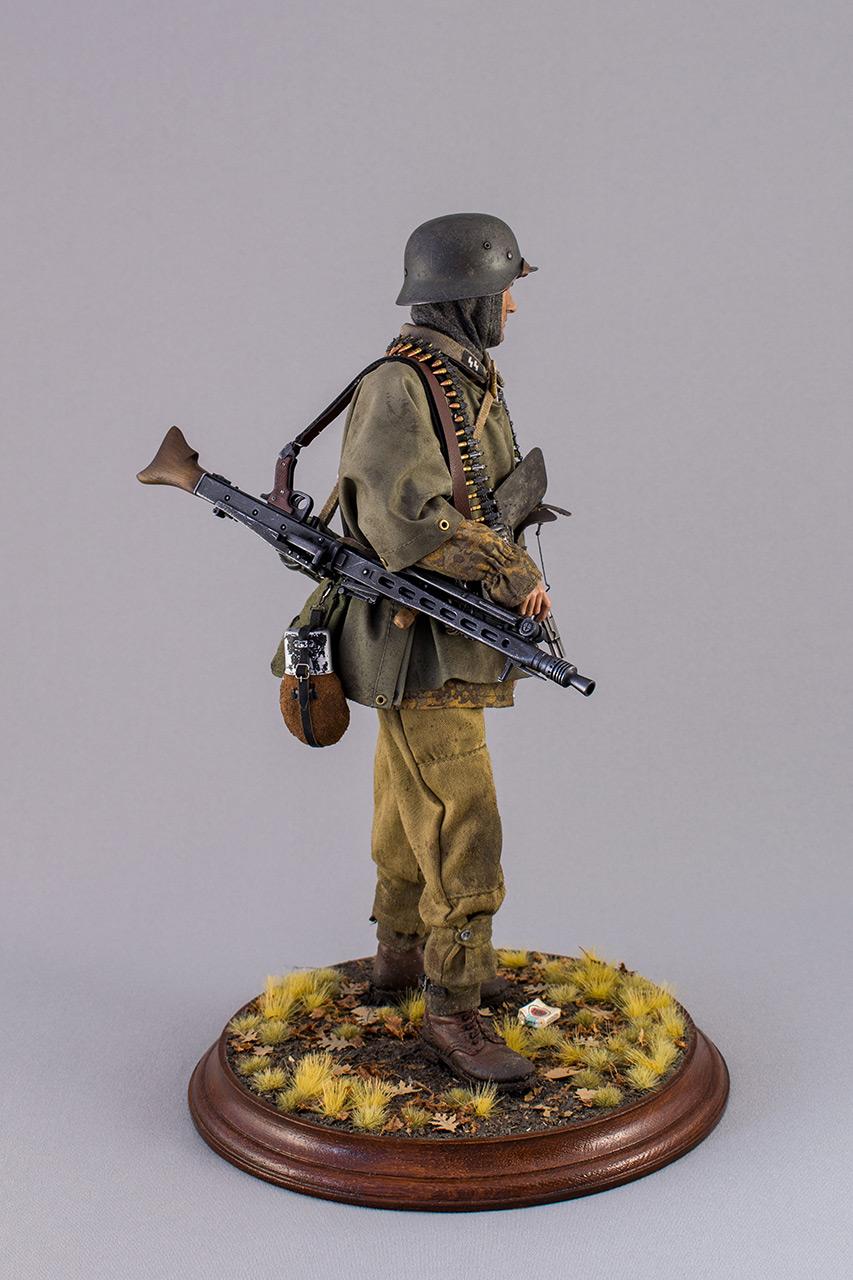 Figures: SS machine gunner, Kampfgruppe Hansen, photo #3