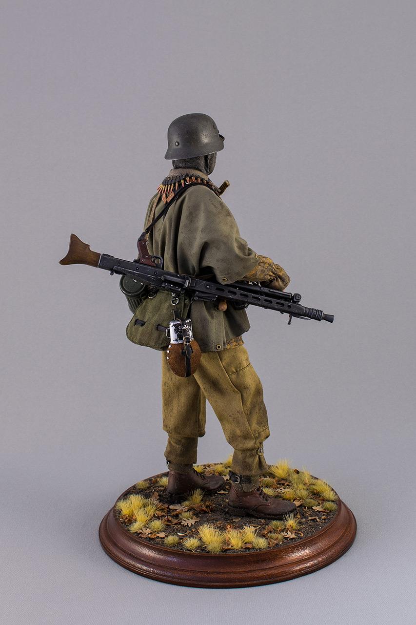 Figures: SS machine gunner, Kampfgruppe Hansen, photo #4