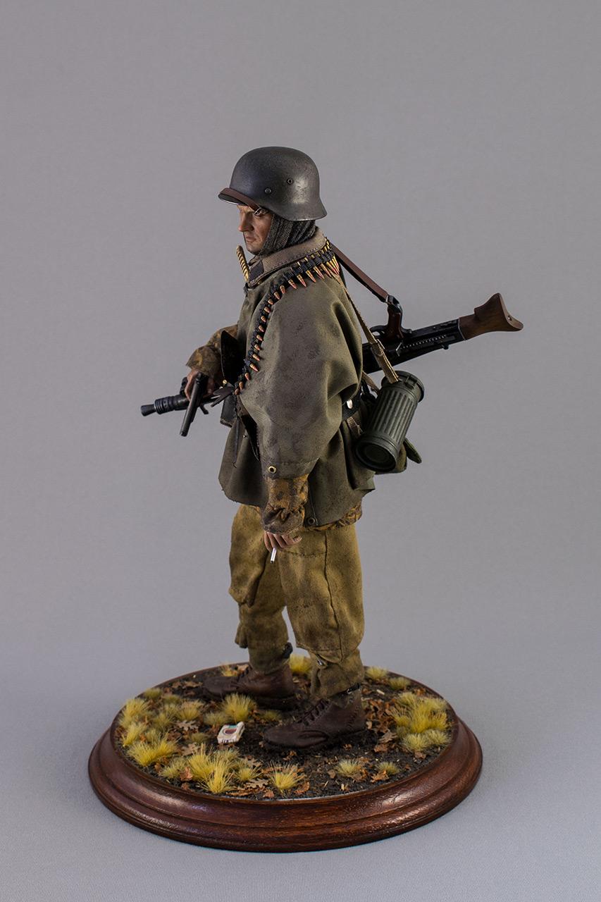 Figures: SS machine gunner, Kampfgruppe Hansen, photo #8