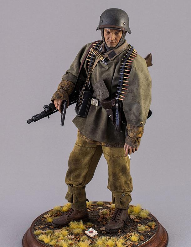 Figures: SS machine gunner, Kampfgruppe Hansen