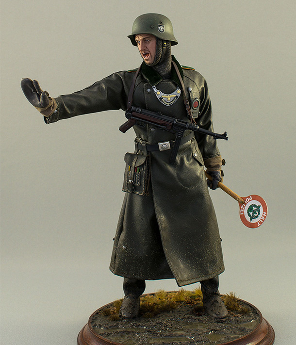 Figures: German feldgendarme