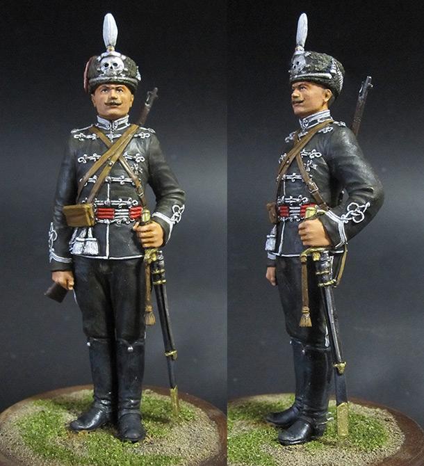 Figures: Alexandria hussar, 1914