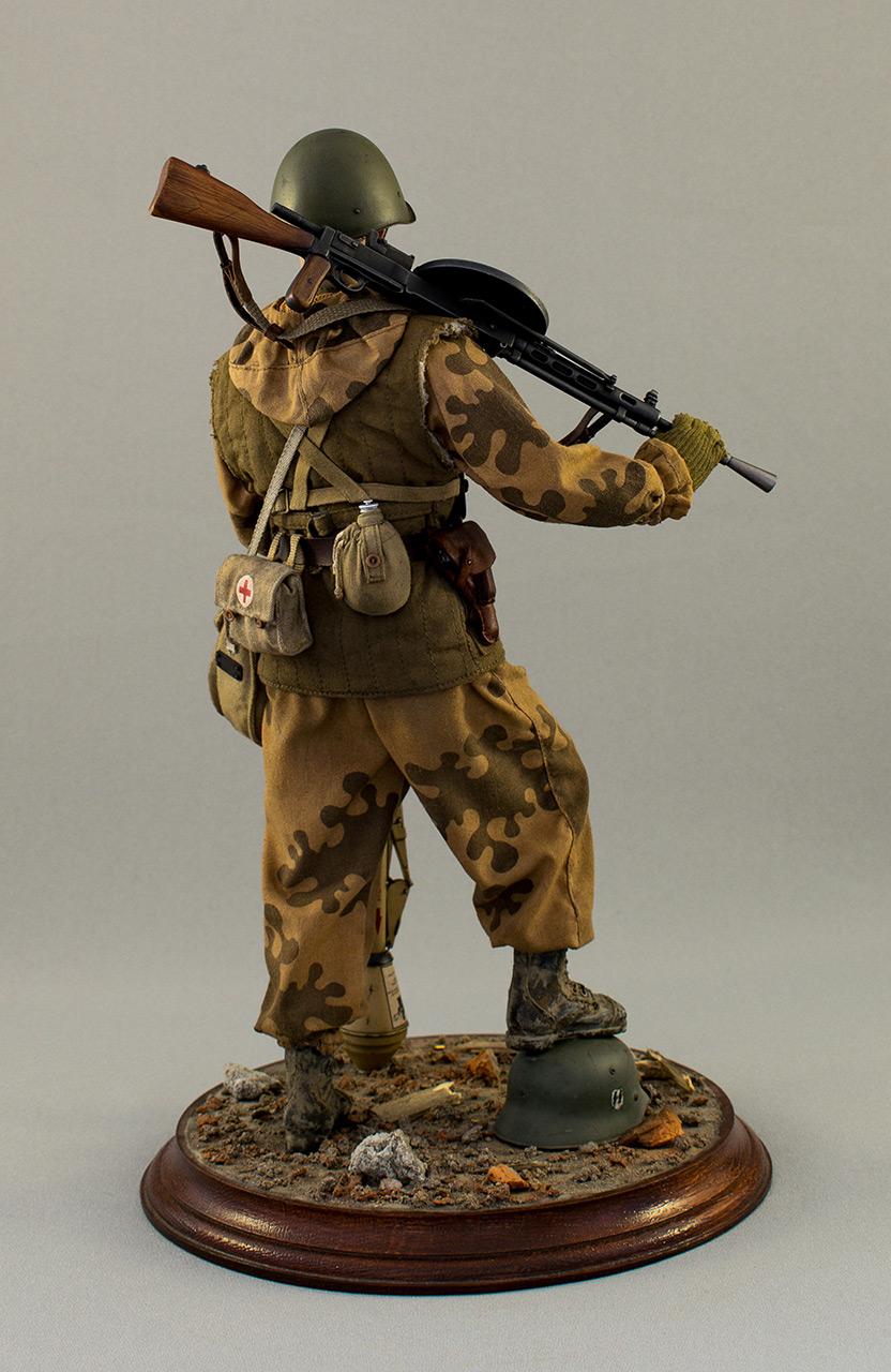 Figures: Soviet assault trooper, Germany, 1945, photo #5