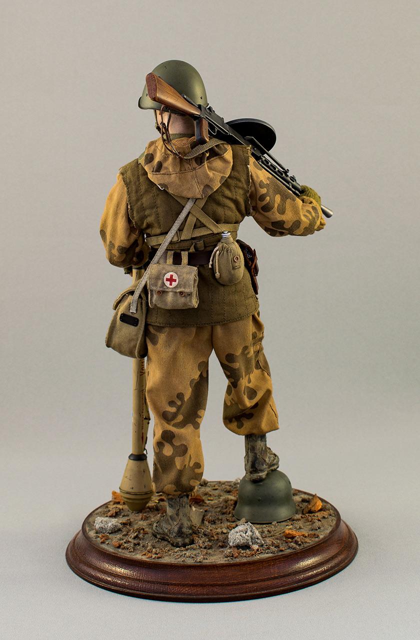 Figures: Soviet assault trooper, Germany, 1945, photo #6