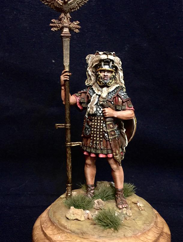 Figures: Roman aquilifer, I-II A.D.