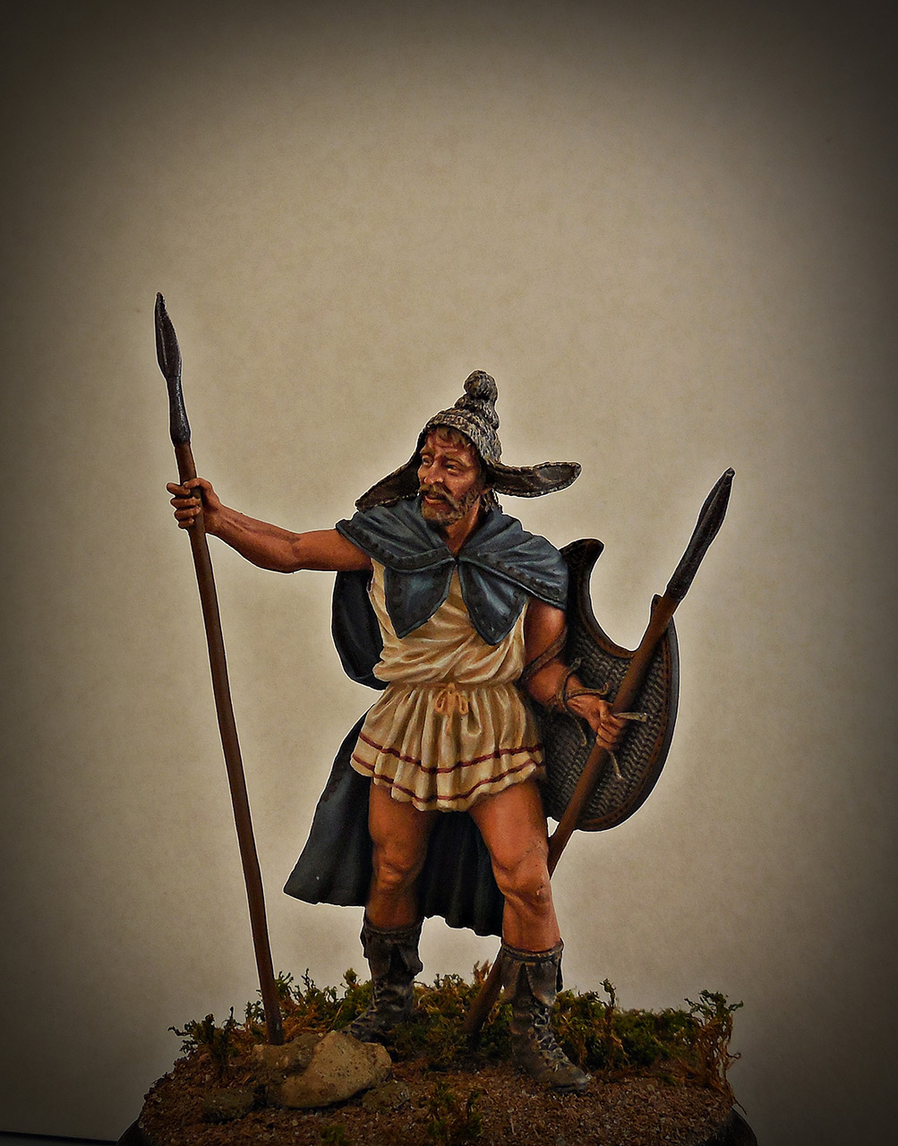Figures: Thrakian peltast, V B.C., photo #1
