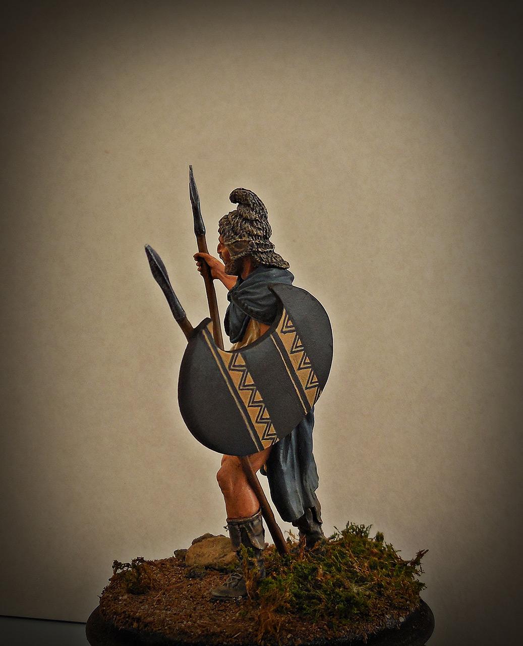 Figures: Thrakian peltast, V B.C., photo #3