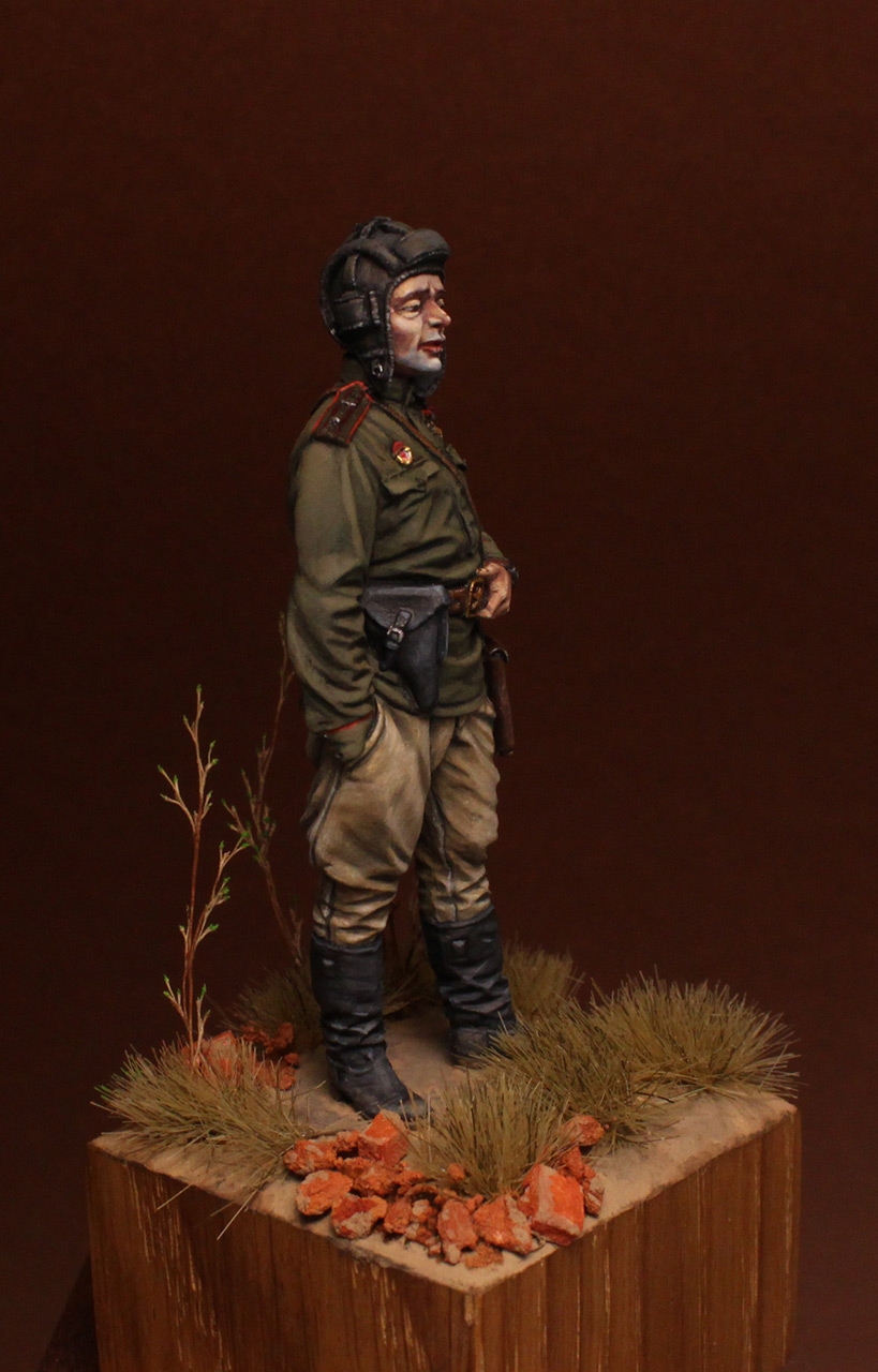 Figures: Commander of tank battalion, 1945, photo #8