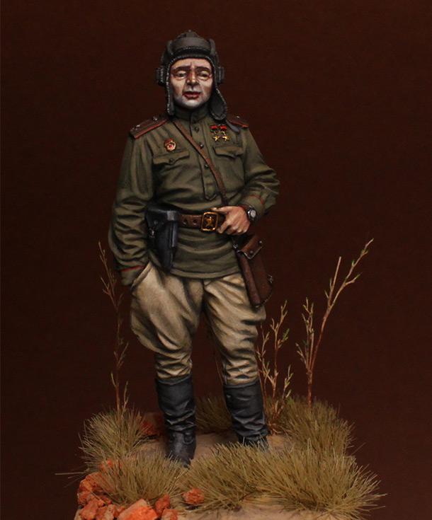 Figures: Commander of tank battalion, 1945