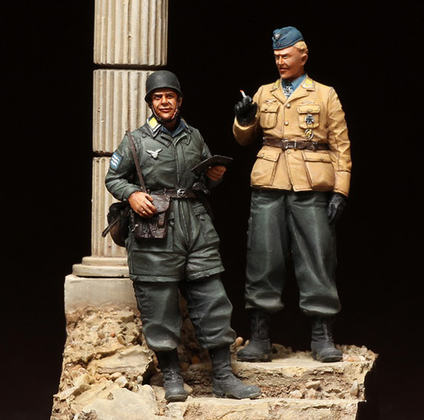 Figures: German paratroopers. Crete, 1941
