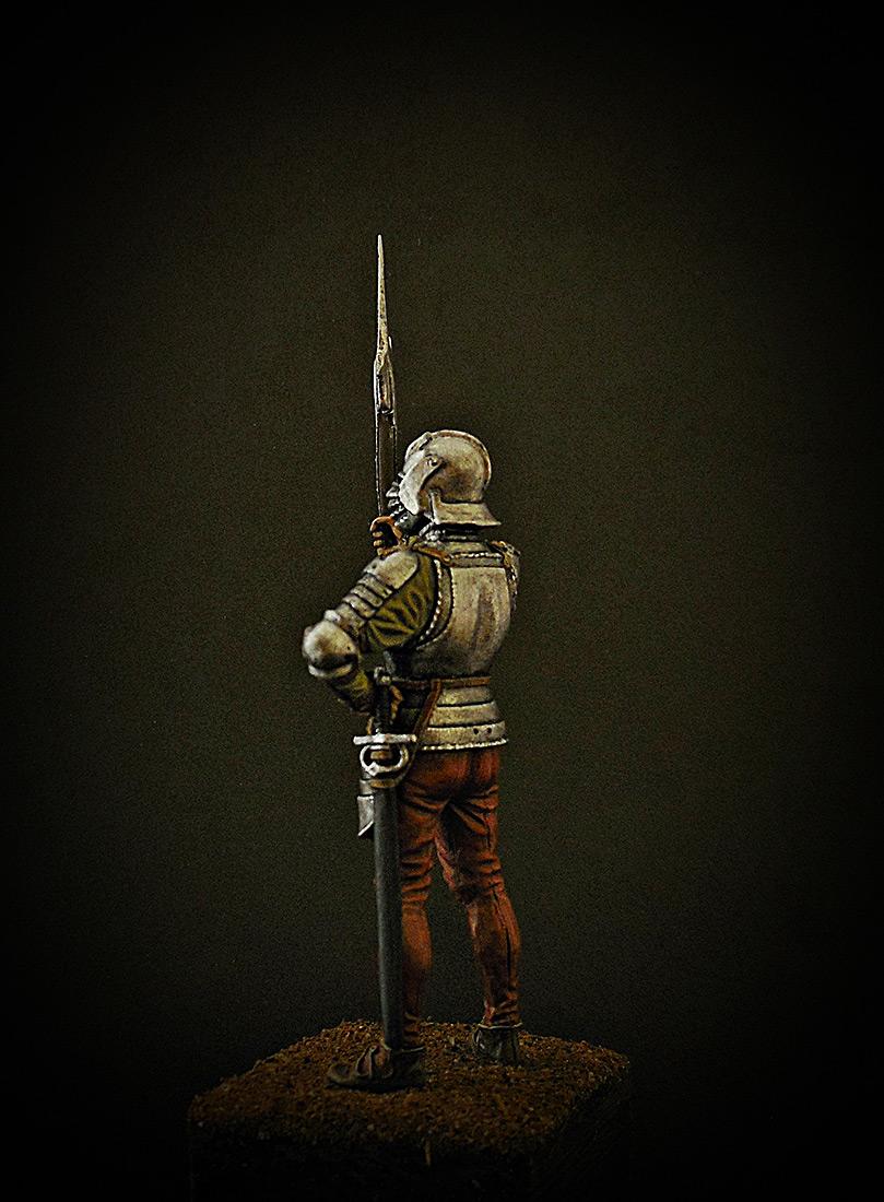 Figures: English halberdier, 1513, photo #3
