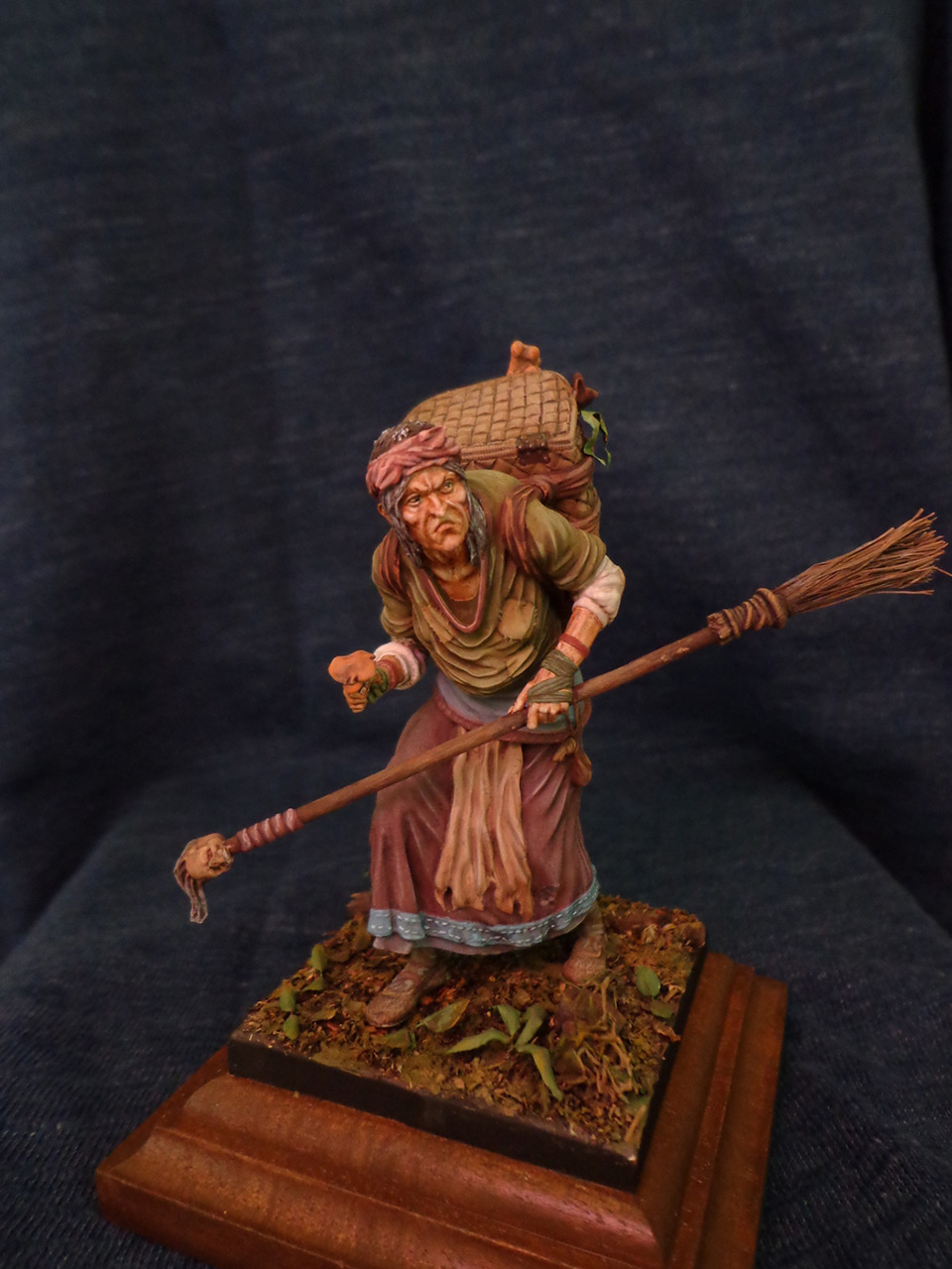 Figures: The Hag, photo #3