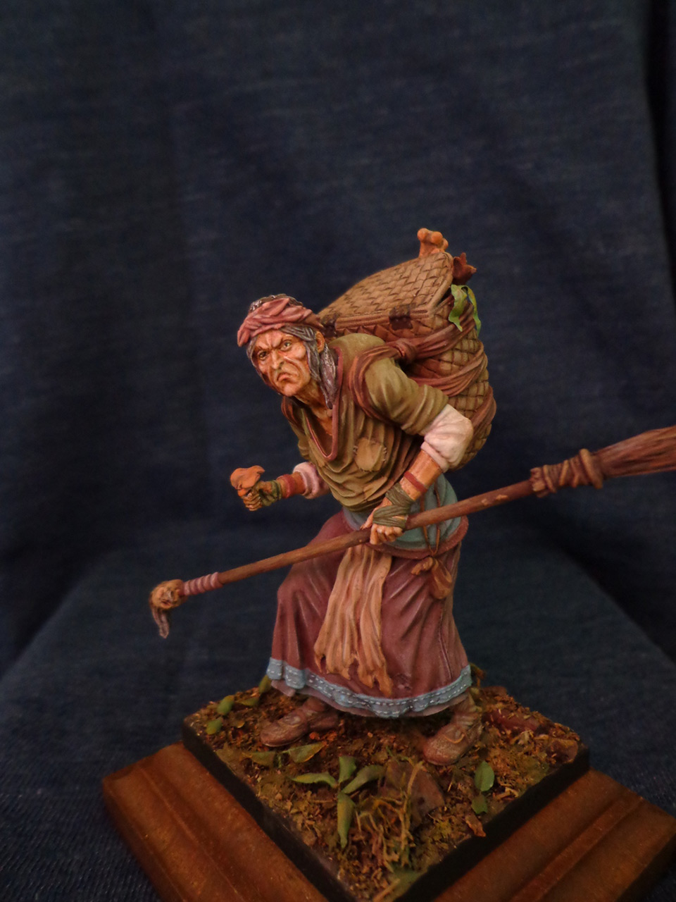 Figures: The Hag, photo #8