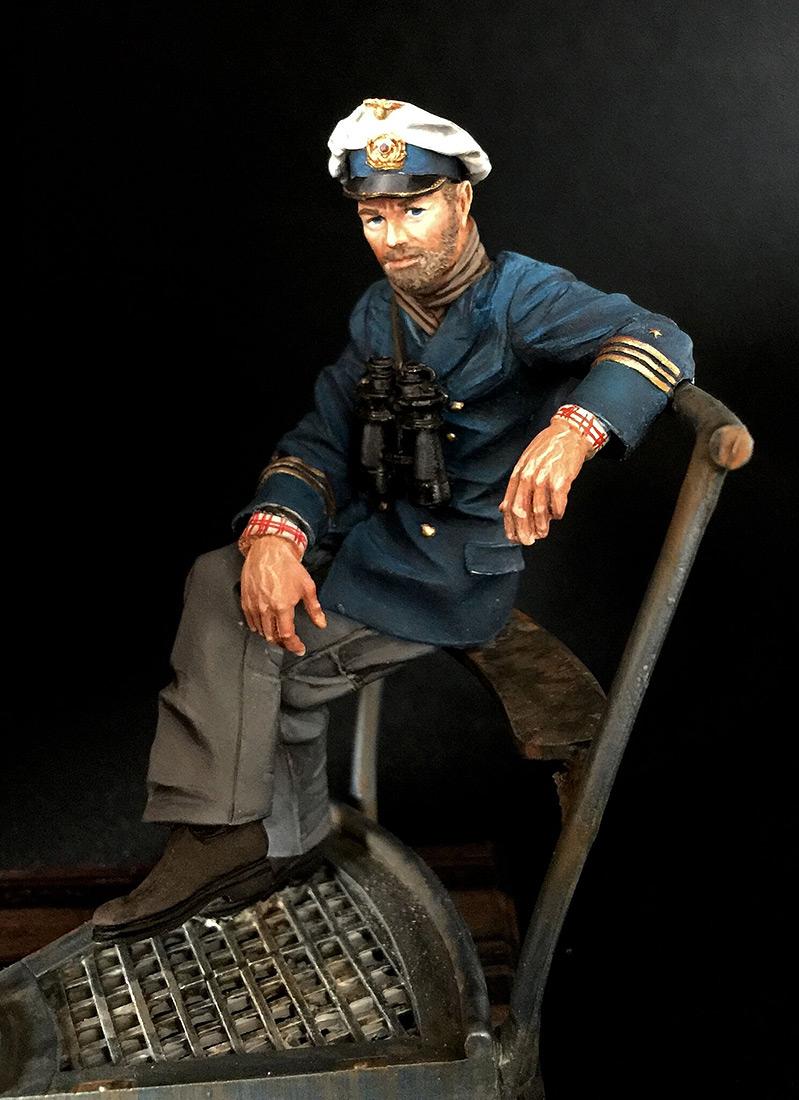 Figures: Lieutenant Commander Günther Prien, photo #4