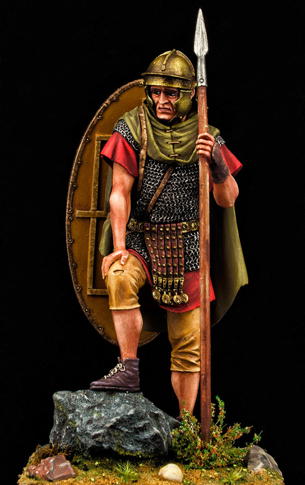 Figures: Roman auxiliary, II A.D., Dacian wars