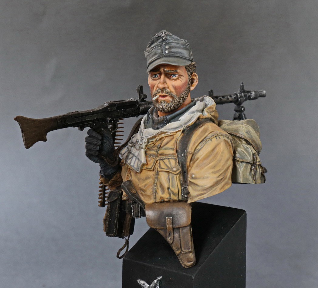 Figures: Machine gunner of 1st mountain div., photo #2