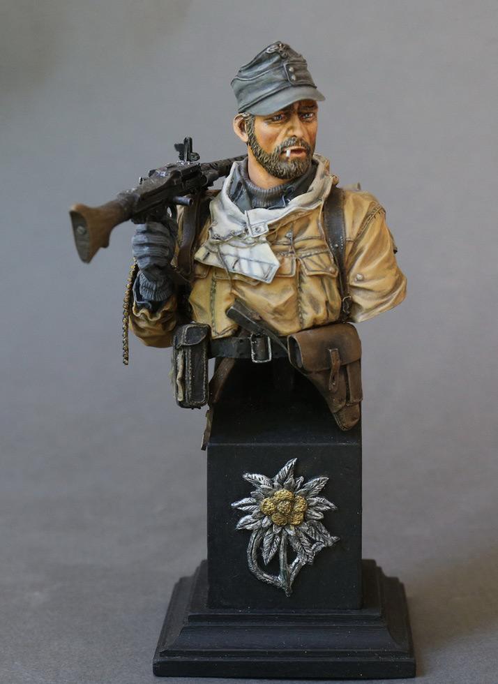 Figures: Machine gunner of 1st mountain div., photo #3