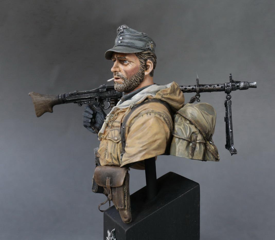 Figures: Machine gunner of 1st mountain div., photo #4