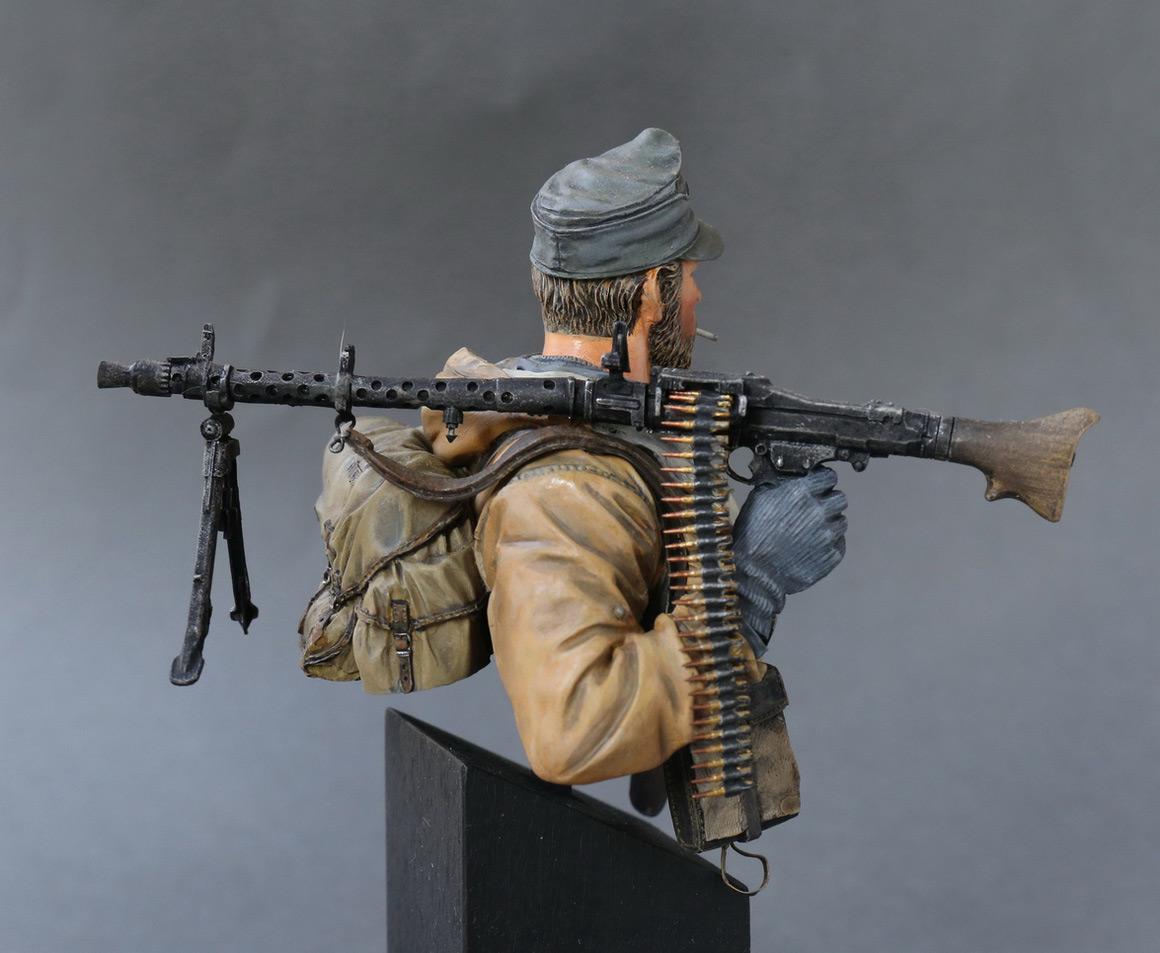 Figures: Machine gunner of 1st mountain div., photo #5