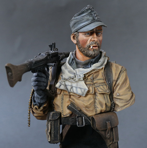 Figures: Machine gunner of 1st mountain div.