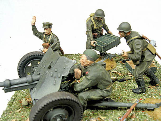 Dioramas and Vignettes: Die But Not Let 'em Go!