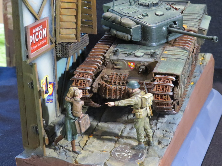 Dioramas and Vignettes: It's dangerous to stay here!, photo #13