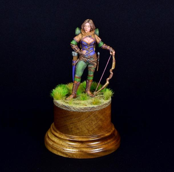 Figures: Archer girl