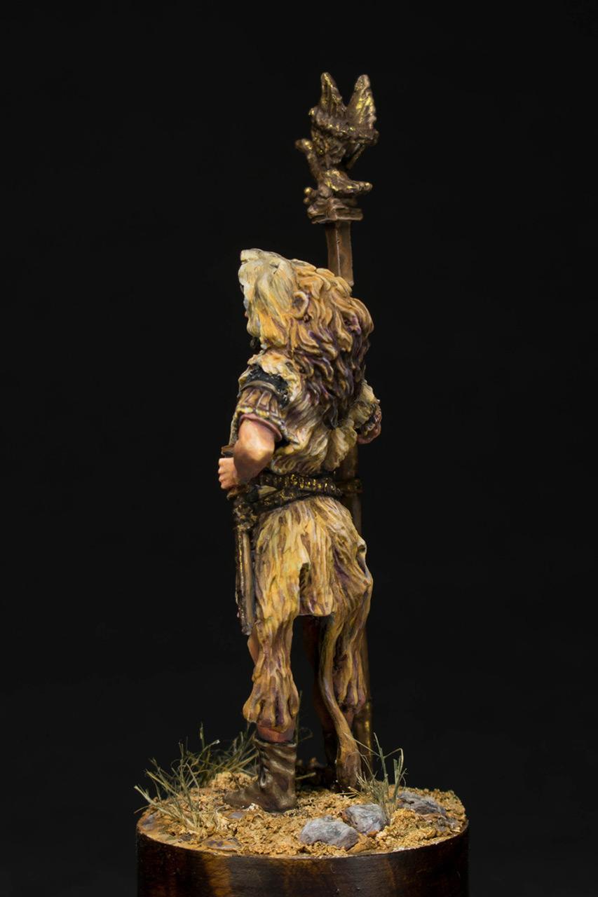 Figures: Praetorian aquilifer, I AD, photo #4