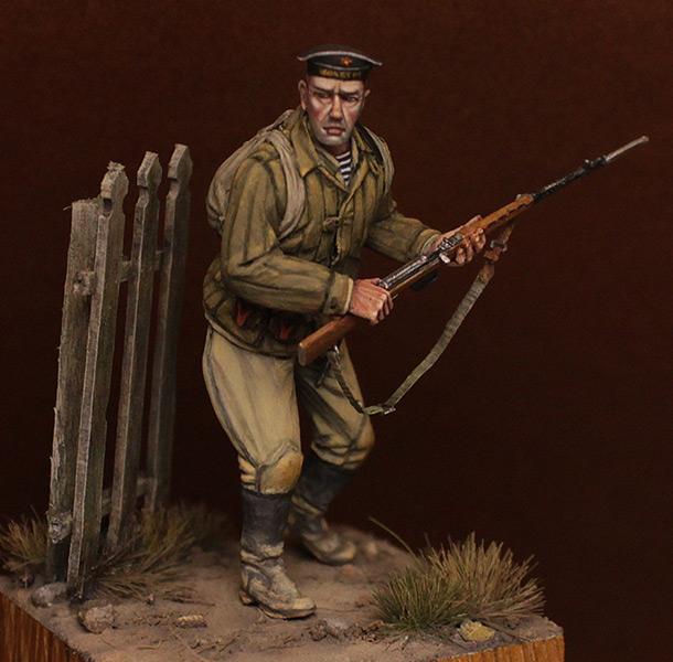 Figures: Soviet seaman, 83th brigade, Tuapse, 1942