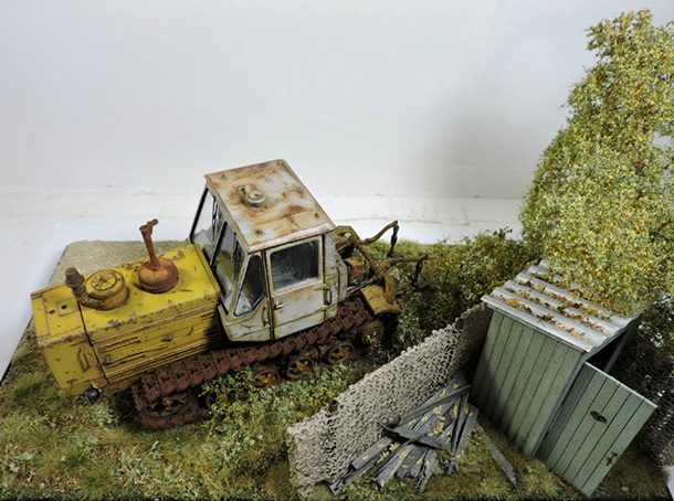 Dioramas and Vignettes: T-150 tractor