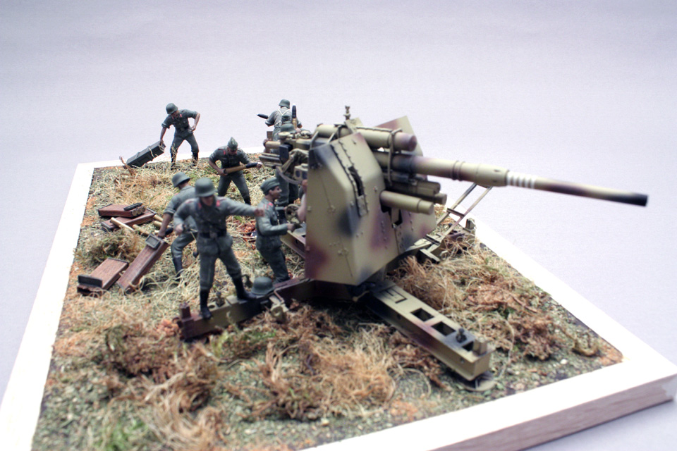 Dioramas and Vignettes: Tanks at left!, photo #1
