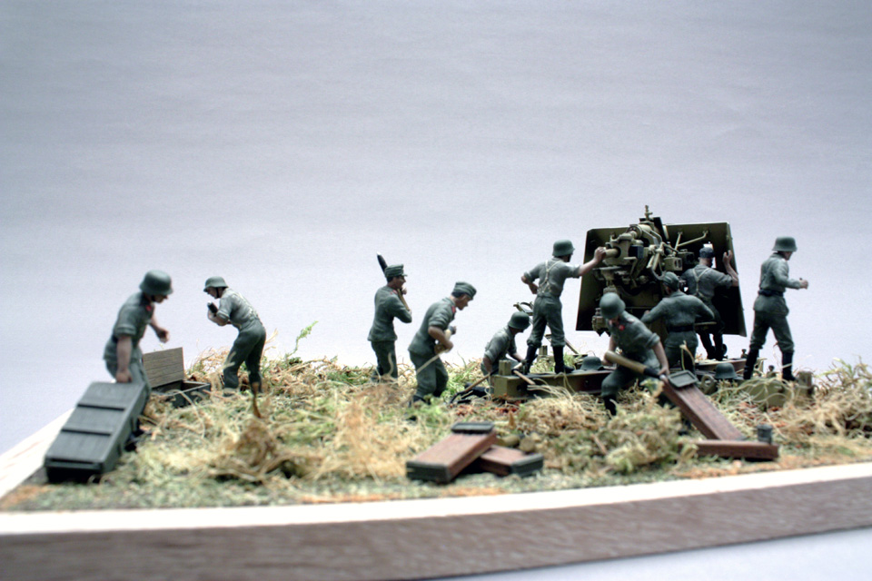 Dioramas and Vignettes: Tanks at left!, photo #10