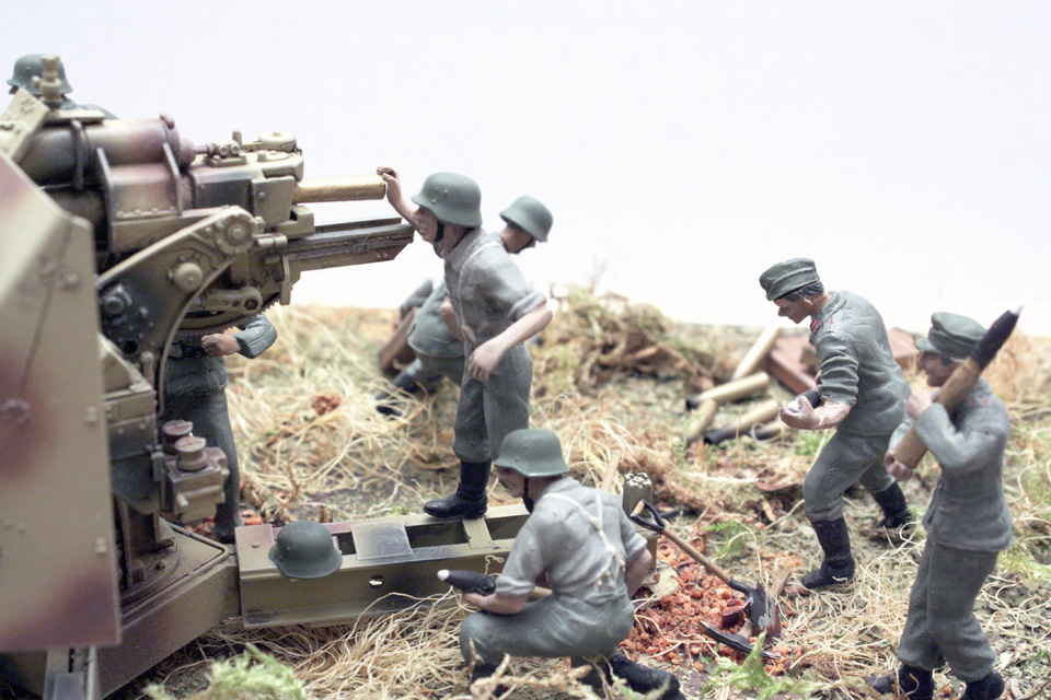 Dioramas and Vignettes: Tanks at left!, photo #11