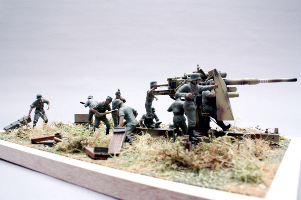 Dioramas and Vignettes: Tanks at left!, photo #12