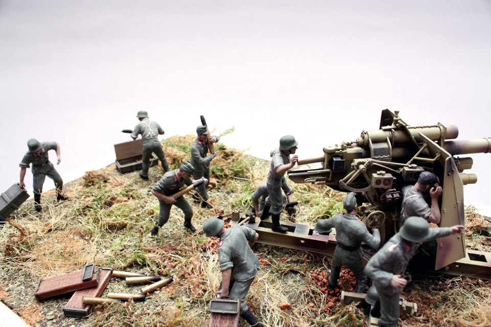 Dioramas and Vignettes: Tanks at left!, photo #2