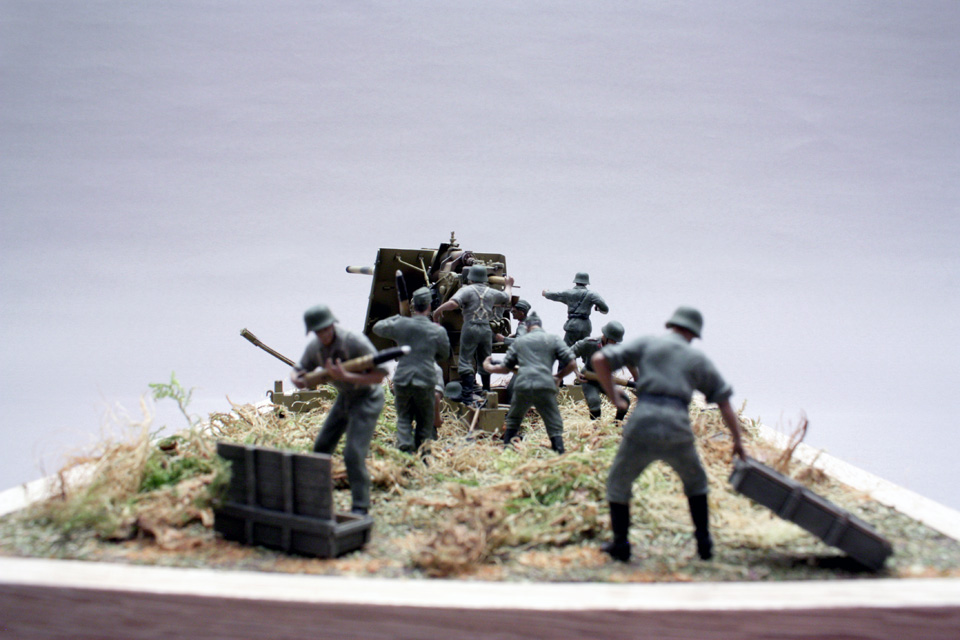 Dioramas and Vignettes: Tanks at left!, photo #3