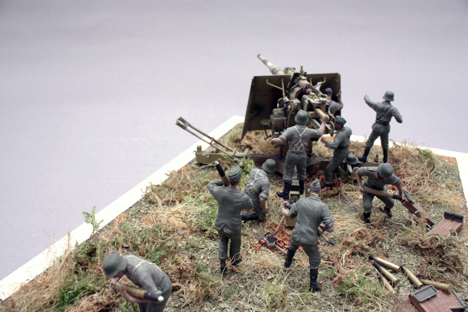 Dioramas and Vignettes: Tanks at left!, photo #4