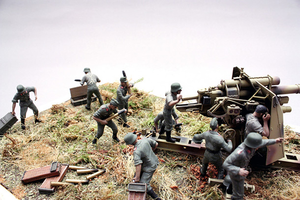 Dioramas and Vignettes: Tanks at left!