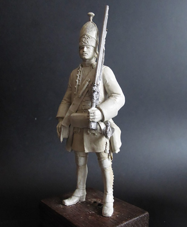 Sculpture: Russian grenadier, 1731-45