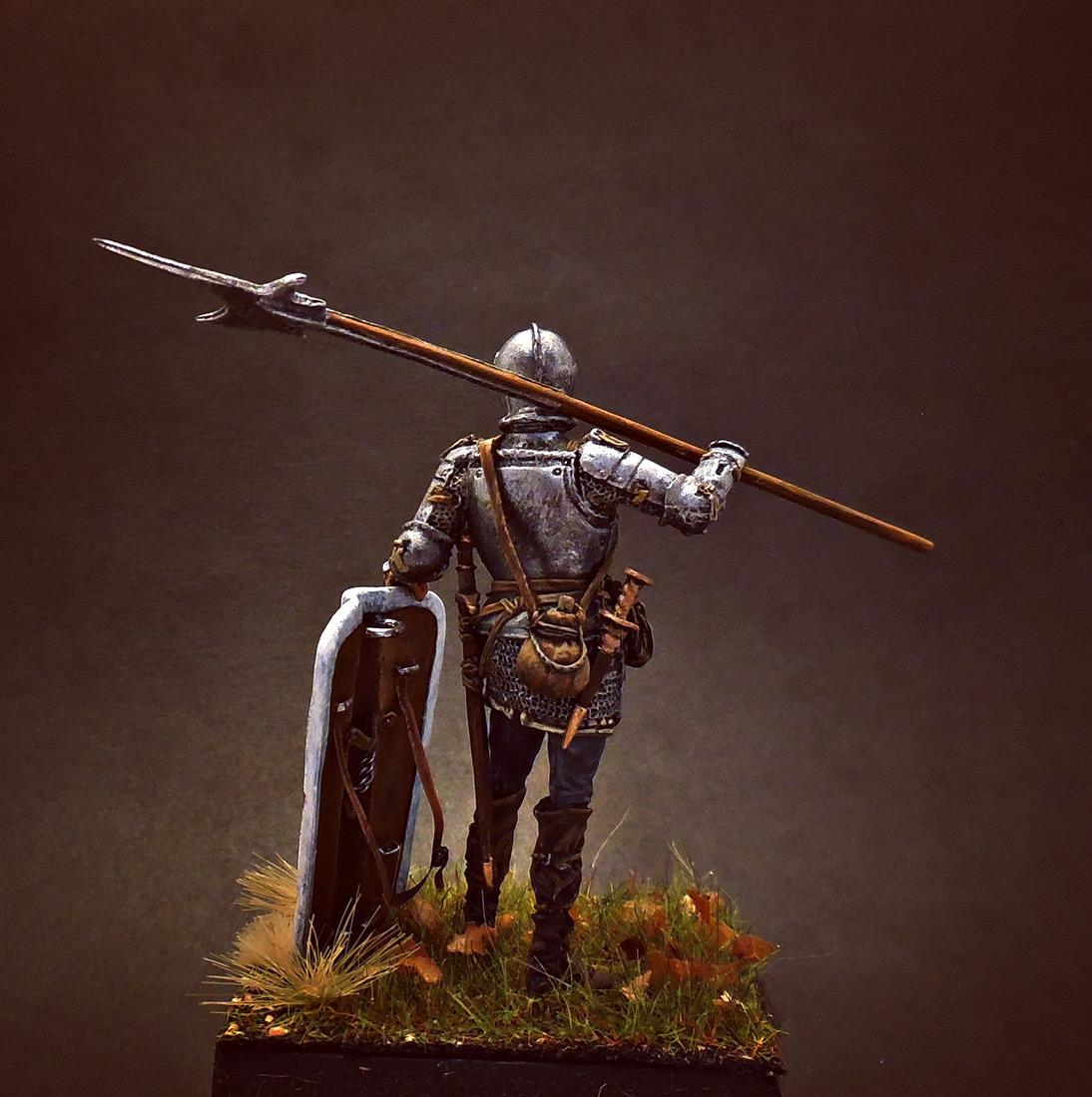 Figures: European soldier with halberd, 1510-25, photo #2