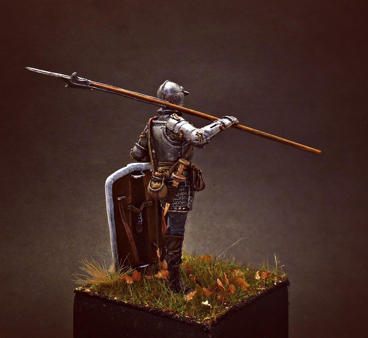 Figures: European soldier with halberd, 1510-25, photo #3