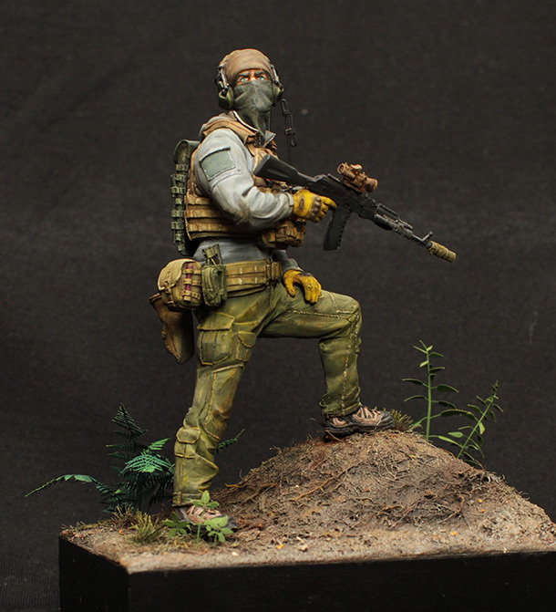 Figures: Russian special forces trooper