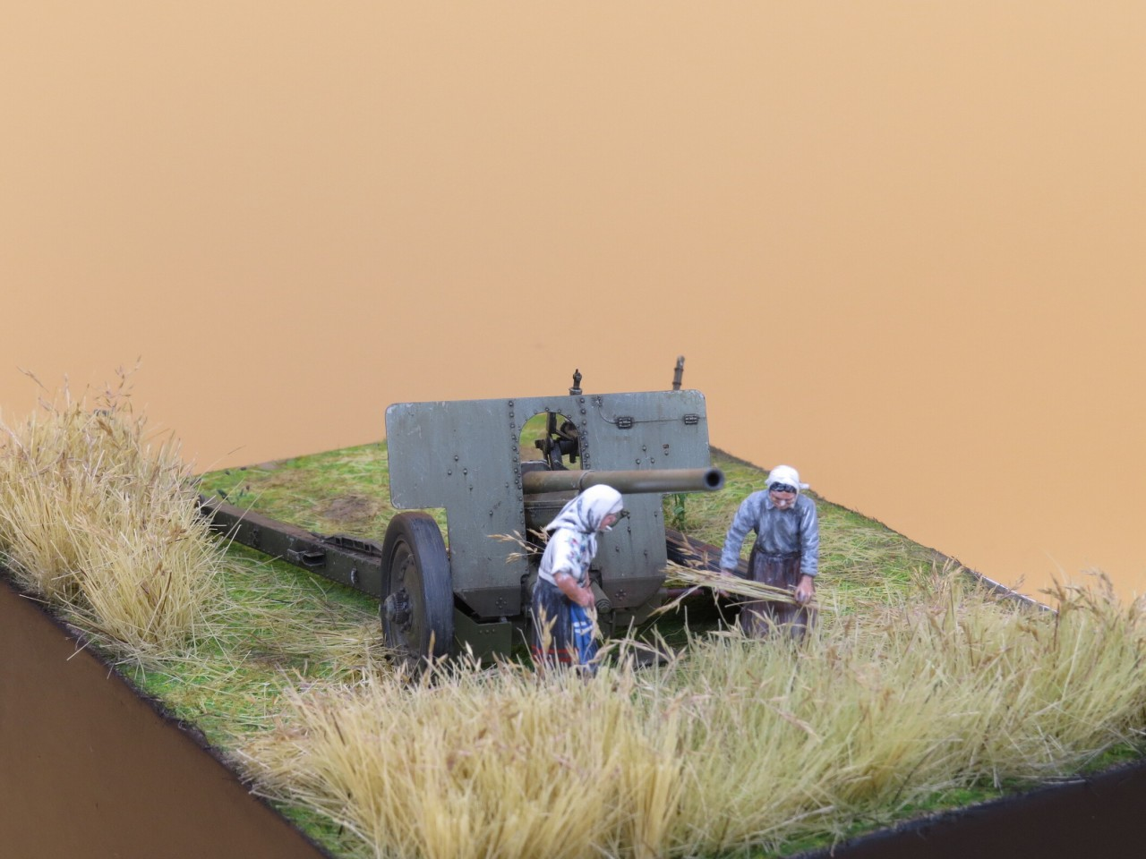 Dioramas and Vignettes: The Harvest, photo #3