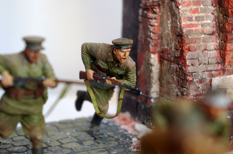 Dioramas and Vignettes: I'm the Fortress, photo #17