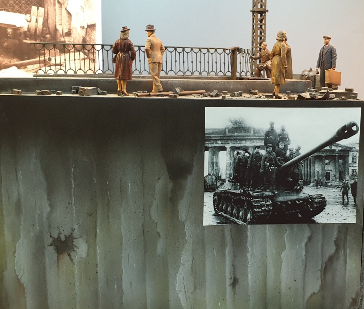 Dioramas and Vignettes: Berlin, Alexanderplatz, May 1945, photo #7